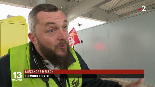 Grève SNCF : opération séduction sur l'autoroute