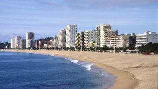 La plage centrale de Platja d'Aro en Espagne. (TOMMASO DI GIROLAMO / AGF / AFP)