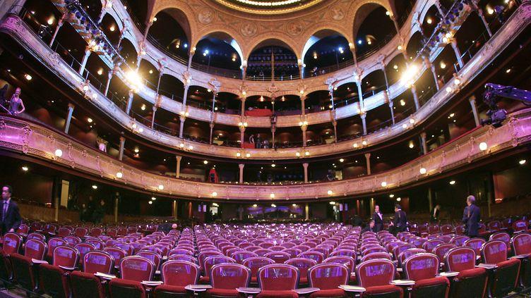 Les siège du théâtre du Châtelet lors de la 31ème cérémonie des César à Paris, le 25 février 2006. (BERTRAND GUAY / AFP)