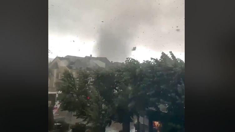 Une tornade a balayéle nord de la Meurthe-et-Moselle et le sud du Luxembourg vendredi 9 août. (CAPTURE D'ÉCRAN / MÉTÉO EXPRESS)