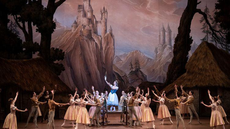 """La générale de """"Giselle"""" à l'Opéra de Paris, le 30 janvier 2020 (LIONEL BONAVENTURE / AFP)"""