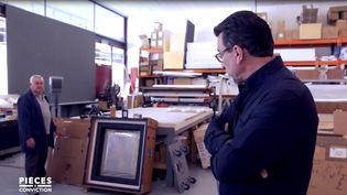 """""""Pièces à conviction"""".Dans le port franc de Genève, emballage sur mesure pour œuvres d'art inestimables (Pièces à conviction/France 3)"""