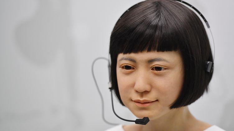Robot humanoïde, au musée des Sciences de Londres, le 7 février 2017 (BEN STANSALL / AFP)