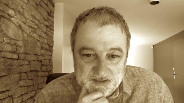 Denis Robert réagit aux attaques sur les réseaux sociaux