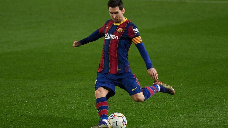 L'attaquantdu FC Barcelone Lionel Messi, le 13 décembre 2020, lors d'un match du championnat espagnol. (LLUIS GENE / AFP)