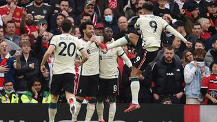 Les joueurs de Liverpool ont pulvérisé Manchester United (5-0) à Old Trafford, le 24 octobre 2021. (OLI SCARFF / AFP)