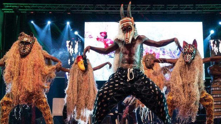La finale de «Faso Don», («Les danses du pays»), émission de télé-réalité, le 6 octobre 2018, dans la capitale malienne, Bamako. (Sebastien Rieussec / AFP)
