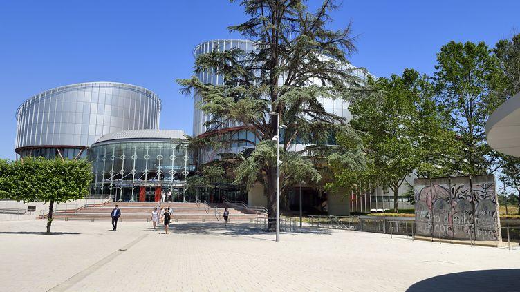 Le siège de la Cour européenne des droits de l'homme, à Strasbourg, en juillet 2019. (RIEGER BERTRAND / HEMIS.FR / HEMIS.FR)
