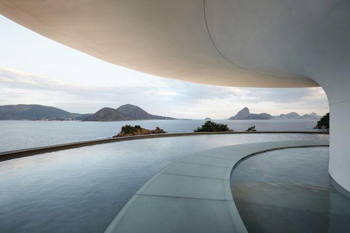 Le musée Niteroi à Rio de Janeiro, lieu du défilé Vuitton Croisière 2027  (Louis Vuitton)