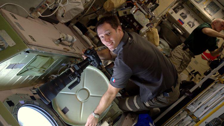 À bord de la Station spatiale internationale, Thomas Pesquet photographie la Terre, fin décembre 2016 (ESA/NASA)