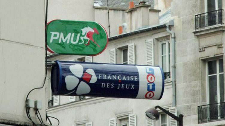 La FDJ et le PMU sont deux opérateurs de paris sportifs (JACQUES DEMARTHON / AFP)