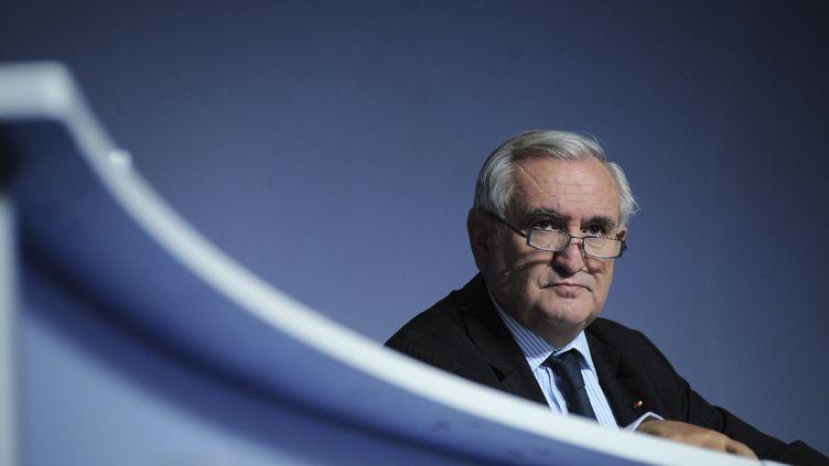 L'ex-Premier ministre UMP Jean-Pierre Raffarin, le 11 décembre 2010 à Paris. (JULIEN MUGUET / REUTERS)