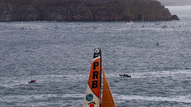 (Les dégâts sont trop importants sur PRB pour permettre à Vincent Riou de reprendre la mer  © Alexis Courcoux)