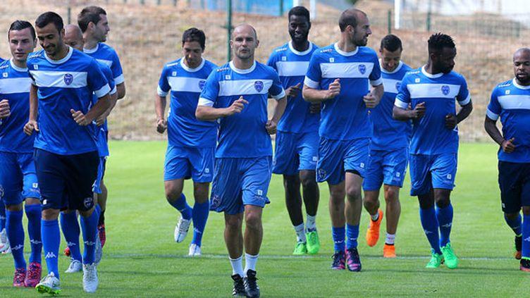Les joueurs de Troyes emmenés par Benjamin Nivet (au centre) en pleine préparation pour la saison 2015-2016
