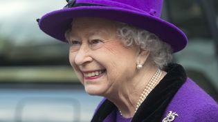 La reine Elizabeth IIvisite la cathédrale de Southwarkà Londres(Grande-Bretagne), le 21 novembre 2013. (PAUL GROVER / AFP)