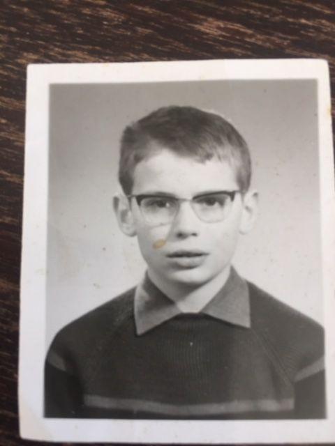 Patrick Gandoulas, à l'âge de 11 ans. A l'époque, il a été victime d'attouchements sexuels de la part d'un prêtre pédophile, au petit séminaire de Toulouse. (DR)