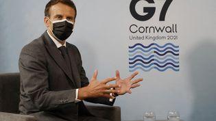 Emmanuel Macron au G7 de Corbis bay, le 12 juin 2021. (LUDOVIC MARIN / AFP)