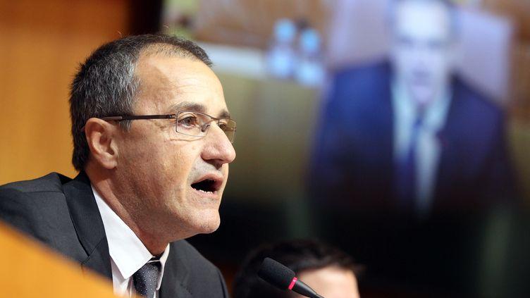 Jean-Guy Talamoni prononce un discours après son élection à la tête de l'Assemblée de Corse, à Ajaccio, jeudi 17 décembre 2015. (PASCAL POCHARD-CASABIANCA / AFP)