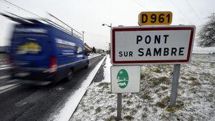 L'entrée du village de Pont-sur-Sambre, près de Maubeuge (Nord), le 1er mars 2018. (FRANCOIS LO PRESTI / AFP)
