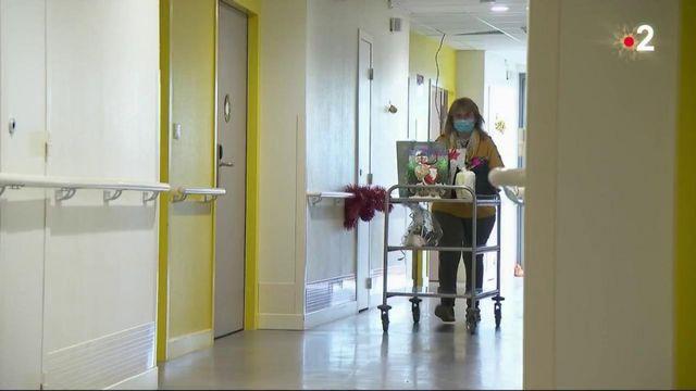 Noël : les soignants auprès des résidents