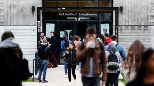 Image d'illustration, devant l'université de Rouen-Normandie. (CHARLY TRIBALLEAU / AFP)