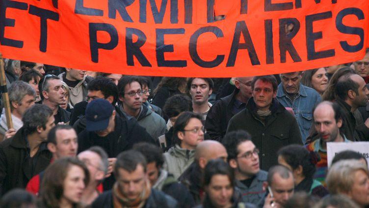 Des intermittentsdu spectacle manifestant pour défendre leur statut le 12 mars 2007 à Paris (JOEL SAGET / AFP)