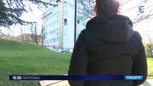 Capture d'écran de la mère de Sarah qui s'entretient avec France 3 , le 4 février 2017 (FRANCE 3)