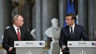 Emmanuel Macron et Vladimir Poutine au château de Versailles, lundi 29 mai. (ALEKSEY NIKOLSKYI / SPUTNIK)