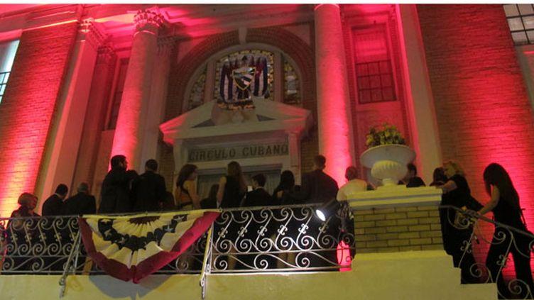 La façade du Cuban club de Tampa, lundi 27 août. (MARION SOLLETTY / FTVI)