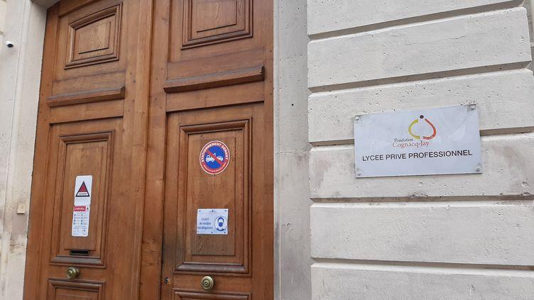 Le Lycée Cognac-Jay où était scolarisée la jeune fille retrouvée morte noyée dans la Seine, à Argenteuil le 9 mars 2021. (VERONIQUE BEAUGRAND / MAXPPP)