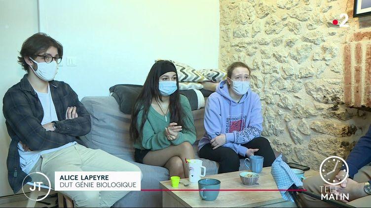 Des étudiants en génie biologique à Périgueux. (France 2)