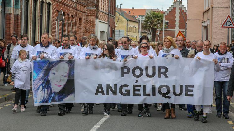 La marche blanche pour Angélique, à Wambrechies (Nord), le 1er mai 2018. (THIERRY THOREL / CROWDSPARK / AFP)