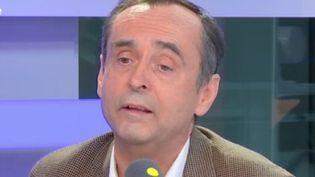 Robert Ménard, maire de Béziers, invité de franceinfo mercredi 16 novembre (RADIO FRANCE / FRANCEINFO)