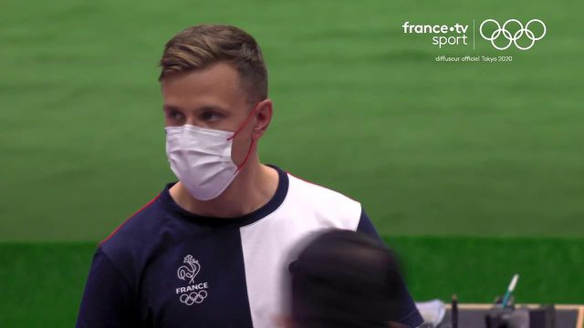 Jean Quiquampoix devient champion olympique du pistolet 25 m tir rapide !La 22e médaille française des #JeuxOlympiques, le sixième titre, vient de tomber grâce à un record olympique égalé (34 points).