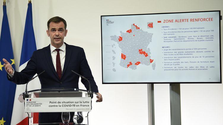 Olivier Veran, ministre de la Santé lors de sa conférence de presse à Paris, le 23 septembre 2020. (ELIOT BLONDET / AFP)
