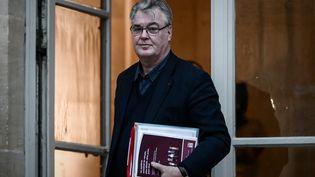 Jean-Paul Delevoye arrive à Matignon (Paris), le 1er décembre 2019. (PHILIPPE LOPEZ / AFP)