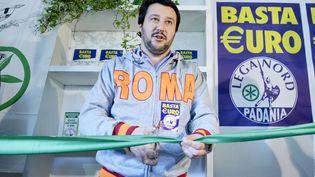 Le leader de la Ligue du Nord, Matteo Salvini, inaugure les nouveaux locaux du parti, le 9 avril 2014, à Rome (Italie). (LUIGI MISTRULLI/SIPA)