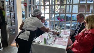 """Le CRESPI d'Auvergne organise un """"job dating"""" au restaurant de la Tocques Académie (France 3 Auvergne)"""