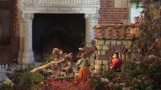 En cette période des fêtes, les châteaux d'Amboise (Indre-et-Loire) et de Chenonceaux (Indre-et-Loire) rivalisent d'ingéniosité pour faire revivre l'esprit de Noël d'antan. (FRANCE 3)