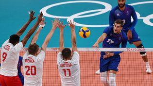 La France affronte la Pologne en quart de finale des Jeux Olympiques mardi 3 août. (YURI CORTEZ / AFP)