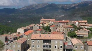 Corse : à Cozzano, 90 % d'habitants vaccinés (France 2)