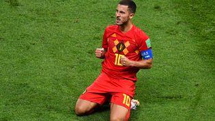 Le capitaine de l'équipe belgeEden Hazard célèbre la victoire de son pays face au Brésillors de la Coupe du Monde en Russiele 6 juillet 2018. (SAEED KHAN / AFP)