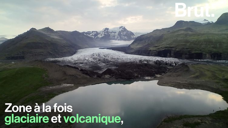 VIDEO. En Islande, feu et glace cohabitent dans le parc national du Vatnajökull (BRUT)