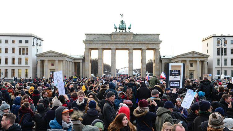 Porte de Brandenburg à Berlin, le 11 janvier2015 (JOHN MACDOUGALL / AFP)