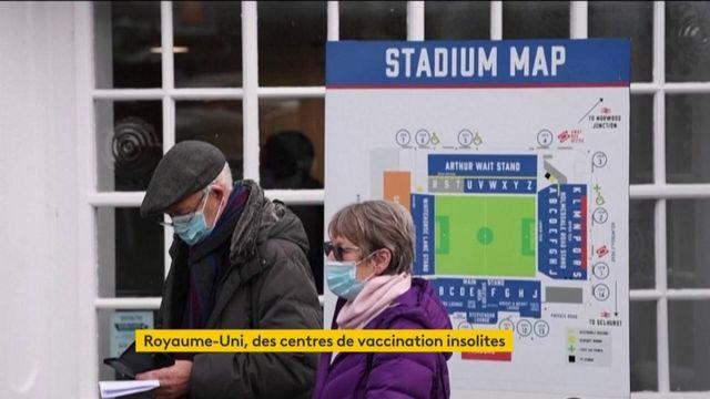Royaume-Uni : privés de supporters, les complexes sportifs au service de la campagne de vaccination