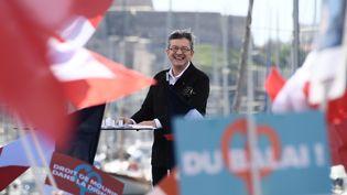 Jean-Luc Mélenchonfait un discours lors d'un meeting à Marseille (Bouches-du-Rhône), le 9 avril 2017. (ANNE-CHRISTINE POUJOULAT / AFP)