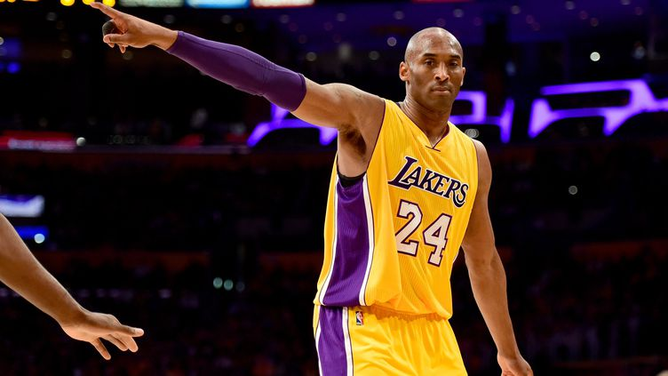 Kobe Bryant lors d'un match en avril 2016. (HARRY HOW / GETTY IMAGES NORTH AMERICA)