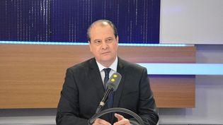 Jean-Christophe Cambadélis, invité sur Franceinfo le 27 avril 2017. (JEAN-CHRISTOPHE BOURDILLAT / FRANCE-INFO)
