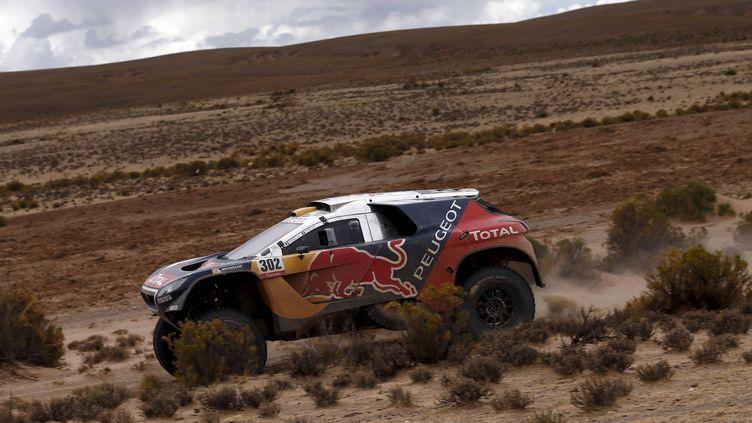 Stéphane Peterhansel a nettement dominé Sébastien Loeb lors de la 6e étape du Dakar 2016 (? MARCOS BRINDICCI / REUTERS / X90087)