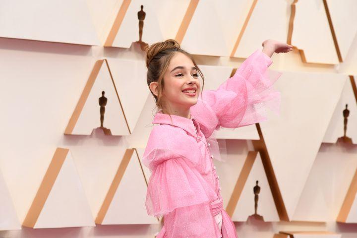 Julia Buttersdans une robe Christian Siriano en coton rose bonbon..92e cérémonie des Oscars, dans la nuit du dimanche 9 au lundi 10 février à Los Angeles. (JEFF KRAVITZ / FILMMAGIC, INC)